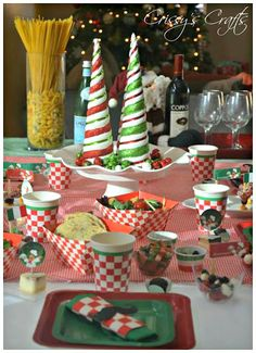 We had a fun Christmas Eve Eve Celebration last night! I had some left over party supplies from our Girl Scouts Italian Night so we had a. Italian Night, Holiday Nights, Christmas Eve, Party Supplies, Table Decorations, Wallpaper, Modern Photography, Disney Food, Fun