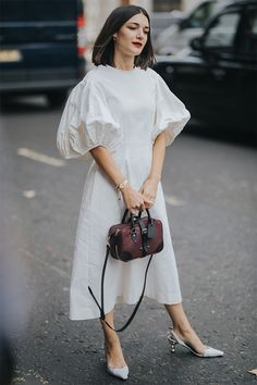 Effortlessly Chic Outfits, Fashion Outfits, Womens Fashion, Fashion Trends, Streetwear, Mode Hijab, Looks Vintage, Classic Outfits, Minimal Fashion