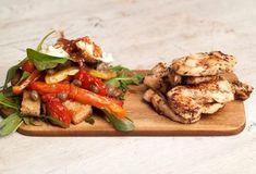 Κοτόπουλο στη σχάρα με βαλσαμικό και ιταλική σαλάτα-featured_image