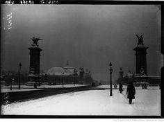 La neige à #Paris : le pont Alexandre-III et le Petit Palais sous la neige (agence de presse Meurisse, 1919).