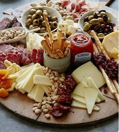 All i want right now! #yum #foodporn #cheeseplate #olives #snacktime