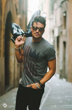 #americanflag t-shirt #LIMITEDEDITION is available on our webstore WWW.NOHOWSTYLE.COM Thanks to @luigipica ph and @marianodivaio