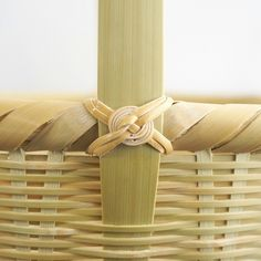 bamboo and wood and cloth - Alles über den Garten Bamboo Weaving, Willow Weaving, Basket Weaving, Inkle Weaving, Bamboo Art, Bamboo Crafts, Wood Crafts, Cheap Baskets, Storage Baskets