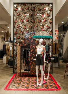 OASIS London UK Light up your umbrella instore pinned by Ton van der Veer Clothing Displays, Future Trends, Conceptual Design, Pop Up Shops, Shop Window Displays, Window Design, Visual Merchandising, Gorgeous Women, Light Up