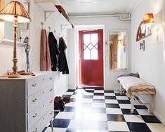 スウェーデンより、エキゾチックな中東のインテリアがミックスされた、北欧デザインのハイセンスなお部屋をご紹介です。…