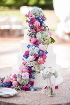 Photography : Novia Distinctive Photography Read More on SMP: http://www.stylemepretty.com/little-black-book-blog/2014/05/22/romantic-nantucket-inspired-garden-wedding/