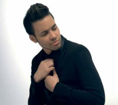 """you guys should watch prince royce's new video """"Te Robare"""" it is soooo amazing ♡"""