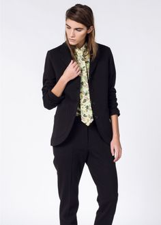 This black cotton tailored notch lapel blazer has a classic fit but is made with relaxed materials. Wedding Crashers, Classic Looks, Black Tie, Black Cotton, Style Icons, Menswear, Plaid, Costumes, Blazer