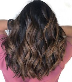 Hairstyles Featuring Dark Brown Hair with Highlights Roasted Almond HighlightsRoasted Almond Highlights Carmel Brown Hair, Brown Hair With Blonde Highlights, Brown Ombre Hair, Brown Hair Balayage, Light Brown Hair, Brown Hair Colors, Hair Highlights, Black Highlights, Caramel Balayage
