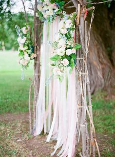 Shabby chic wedding ceremony decor ideas - Deer Pearl Flowers