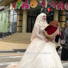 Наша очаровательная невеста Марьям в роскошном свадебном платье от свадебного дома «ГРАФ» @salon_graff 👰 , видео @muslim.kambulatov 🎥. Наилучшие пожелания ❤️❤️❤️ @svadebny_kavkaz @svadby_kavkaza_ @svadby_official @nevestkikavkaza #life @royalwedding_kavkaz @svadebniy_blog #dance #граф #dagestan #mahachkala #video #дагестан @wedding_kavkaz @svadby_kavkaza_ @_svadby_ @svadebny_kavkaz @svadebniy_blog #life @royalwedding_kavkaz @birenzweig @korolevskie_svadbi_ @svadby_kavkaza #урусмартан…