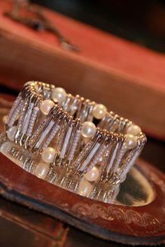 Nuziale di perline bianco e vetro bianco perla Zig Zag Pinlet