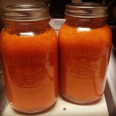 DIY Thursdays: Red Pepper Soup and more! Red Pepper Soup, Red Peppers, Thursday, Mason Jars, Brunch, Homemade, Eat, Recipes, Red Bell Peppers