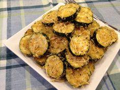 Zucchini Parmesan Crisps - quick, easy - great way to use up excess garden zucchini! #zucchini #recipe #side dish