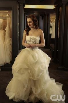 Gossip girl fans... Is the royal wedding is happening? The very first glimpse of the royal bride BLAIR! @Cynthia Campos