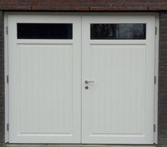 Dit model garagedeuren heet Münster. Deze openslaande garagedeuren hebben een hele goede warmte-isolatie en zijn heel praktisch in gebruik vergeleken met een metalen kanteldeur.