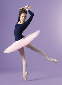 Maria Kochetkova, San Francisco Ballet. 3/4 sleeve Marieke Yumiko leotard. To order a Yumiko at 15% off email yumikodreams@gmail.com or follow & DM Yumiko_Your_Lines on Instagram.