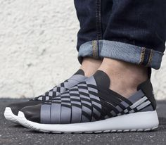 Nike Roshe Run Woven 2 0-Black-Light Grey-Summit White
