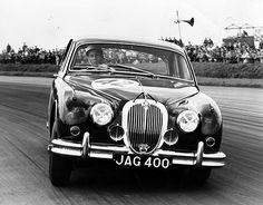 1960 Silverstone, Moss in Jaguar Mk2