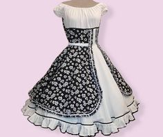 Sewing Doll Clothes, Sewing Dolls, Couture, Frocks, Knit Crochet, Kids Outfits, Ideias Fashion, Girls Dresses, Womens Fashion