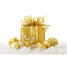 Christmas Gift For My Friend Wallpaper Very Merry Christmas, Gold Christmas, Christmas Balls, Christmas Colors, Christmas Home, Christmas Holidays, Christmas Gifts, Christmas Decorations, Christmas Ornaments