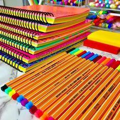 Panda Nursery, School Pencil Case, Bts Book, School Organization Notes, Cool School Supplies, Cardboard Box Crafts, Stationary School, Art Case, Study Inspiration