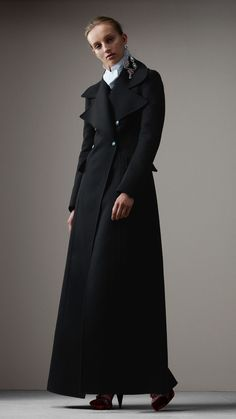 Burberry Felted Wool Full-length Tailored Coat women UK Size US Size 4 Vest Coat, Vest Jacket, Suits For Women, Clothes For Women, Ladies Suits, Suit Fashion, Womens Fashion, Tailored Coat, Burberry Women