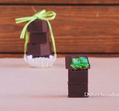 Mint chocolate - Bombones rellenos de ganache de menta Baking, Chocolates, Desserts, Thermomix, Bonbon, Candies, Crack Cake, Easy Recipes, Finger Foods