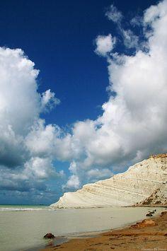 """Wonderful White Coast of """" Scala dei Turchi"""" - Agrigento, Sicily, Italy"""