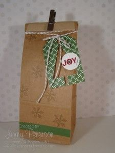 Christmas Gift Bag using the Under the Tree Tag a Bag Accessory Kit, Petite Cafe Bag, Tree Punch, Stampin' Up! Demonstrator, Jenny M Peterson, Lakeshore Stamping