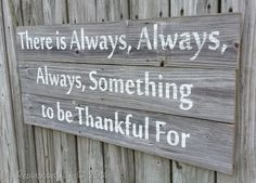 This sign is so perfect for Thanksgiving. I love the weathered look--gives it a charming rustic feel :) (Halloween Signs Direction) Pallet Art, Pallet Signs, Diy Pallet Projects, Diy Projects To Try, Wood Projects, Pallet Wood, Outdoor Projects, Outdoor Ideas, Craft Projects