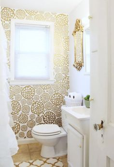 Photo On Modern bathroom with natural materials and wallpaper