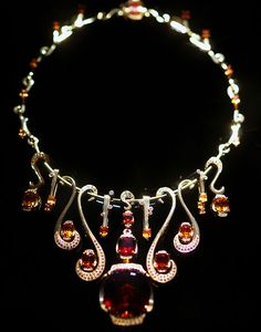 Garnet Necklace from Houston Museum of Natural Science Photo by sulla55.
