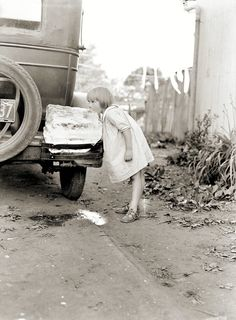 Cooling down - Druid Hill Park, Baltimore - c. 1930 -