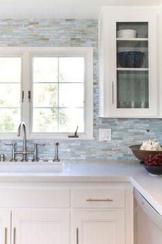Genial Breathtaking Mother Of Pearl Tile Backsplash Decorating Ideas Gallery In  Kitchen Beach Design Ideas
