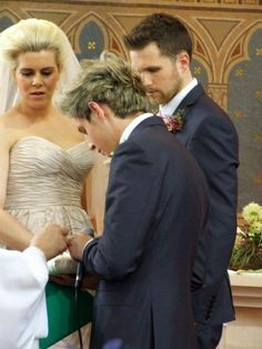 She looks older than I thought. Guys how old is she and why is she glaring at Niall's hands? Why doesn't Greg look happy?