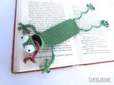 """Amigurumi Crochet Frog Bookmark - """"Book-Frog"""" - Supergurumi"""
