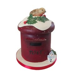 <b>Christmas Post Box Cake</b><br />With a cute Robin perched on top, this is a different, fun Christmas Cake