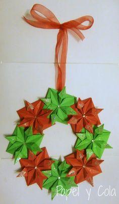 Papel y Cola: Corona navideña de origami
