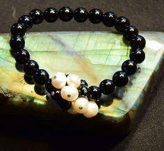 Onix, tenyesztett gyongy karkoto Bracelets, Jewelry, Jewlery, Jewerly, Schmuck, Jewels, Jewelery, Bracelet, Fine Jewelry
