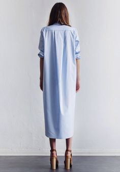 Must-Have: Light Blue Maxi Shirtdress (Le Fashion) - Fashion Trends Looks Street Style, Looks Style, Style Me, Fashion Week, Look Fashion, Fashion 2015, Dress Fashion, Fashion Trends, Maxi Shirts