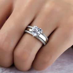 Tips for Buying Diamond Rings and Other Fine Diamond Jewelry Simple Elegant Engagement Rings, Heart Engagement Rings, Engagement Ring Buying Guide, Sapphire Diamond Engagement, Diamond Wedding Rings, Bridal Rings, Pretty Wedding Rings, Piercing Septum, Ring Set