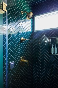 Emerald Green Bathroom Tiles Are the Star of Laurel Gallucci's LA Home - - Sweet Laurel co-founders Laurel Gallucci and Claire Thomas went all-out with green bathroom tile in this glam shower. Small Bathroom, Bathroom Ideas, Master Bathroom, Green Bathroom Tiles, Green Modern Bathrooms, Teal Tiles, Green Tiles, Bathroom Showers, Basement Bathroom