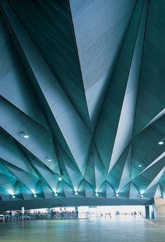 Best Ideas For Architecture and Modern Design : – Picture : – Description Yokohama International Port Terminal, Japan Folding Architecture, Gothic Architecture, Contemporary Architecture, Amazing Architecture, Architecture Details, Interior Architecture, Interior And Exterior, Dezeen Architecture, Yokohama