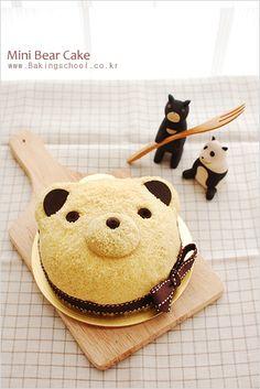 미니베어케이크 bear cake! In case you made mistake with your baked vanilla cake, or just need to jazz it up... Here is sponge cake base, syrup, sweet potato cream + rhum another sponge cream crump cake ( use food processor) coat decorate with chocolate coin and choc chip
