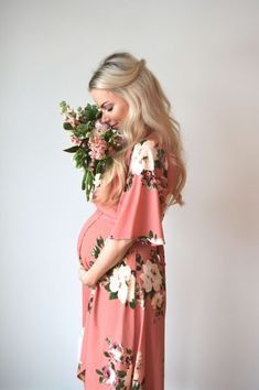 Gently used designer maternity brands you love at up to How to Dress when Pregnant. Spring Maternity, Stylish Maternity, Maternity Fashion, Maternity Dresses, Maternity Styles, Maternity Wear, Pregnancy Months, Pregnancy Photos, Pregnancy Info