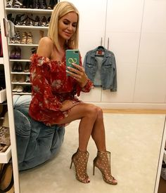 383.4k Followers, 1,941 Following, 5,866 Posts - See Instagram photos and videos from @carolinestanbury Real Housewives, Dress Up, Sunday, Posts, Photo And Video, Videos, Life, Instagram, Domingo
