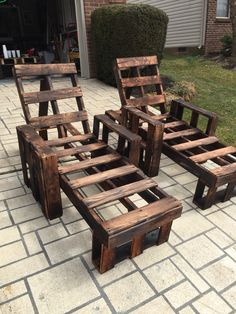 Pallet chaise lounges Diy Furniture Projects, Pallet Projects, Man Projects, Pallet Ideas, Project Ideas, Craft Ideas, Outdoor Wood Furniture, Outdoor Decor, Outdoor Spaces
