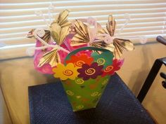 How to fold an Dollar Origami Butterfly. Looks very sweet :-) Video tutorial and picture instructions.