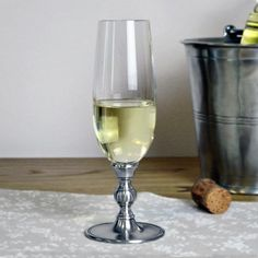 Crystal & Pewter Flute - Height: 20 cm (7,9″) - Food Safe Product - #pewter #crystal #champagne #glass #peltro #cristallo #flute #bollicine #zinn #kristallglas #champagner #flöte #étain #etain #cristal #flute #peltre #tinn #олово #оловянный #glassware #drinkware #barware #accessories #decor #design #bottega #peltro #GT #italian #handmade #made #italy #artisans #craftsmanship #craftsman #primitive